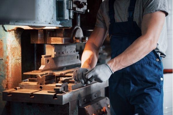 4 benefícios da venda de equipamentos usados para sua empresa